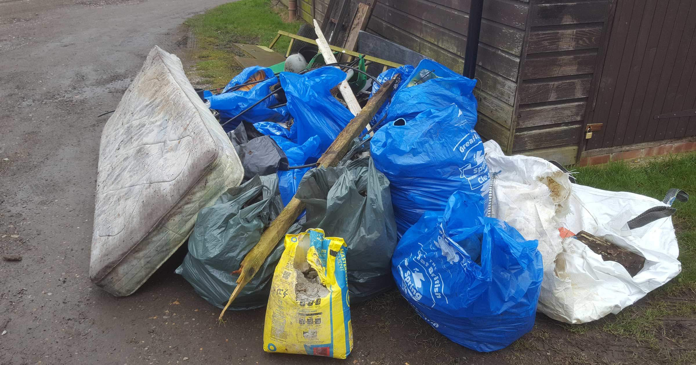 Community Litter Collection - Gomshall, Surrey | Watson Wolfe